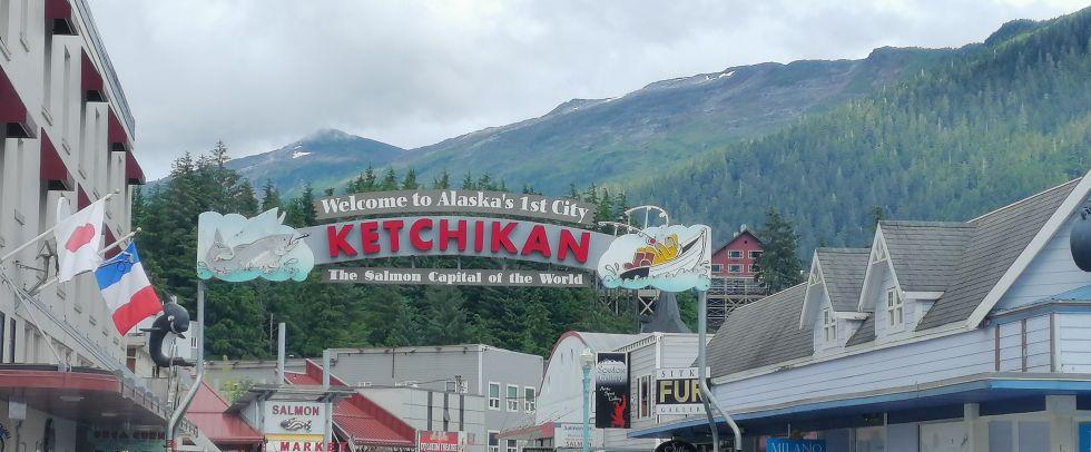 zwiedzanie miasta na alasce ketchikan