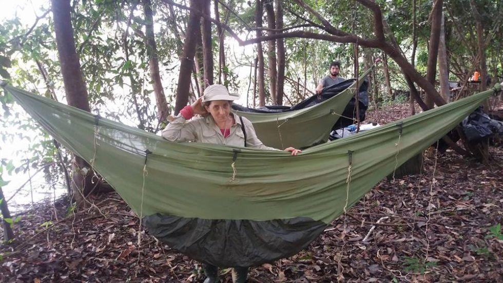 nasza pilotka zofija odpoczywa po wyprawie do dzungli podczas naszej wyprawy do Amazonii