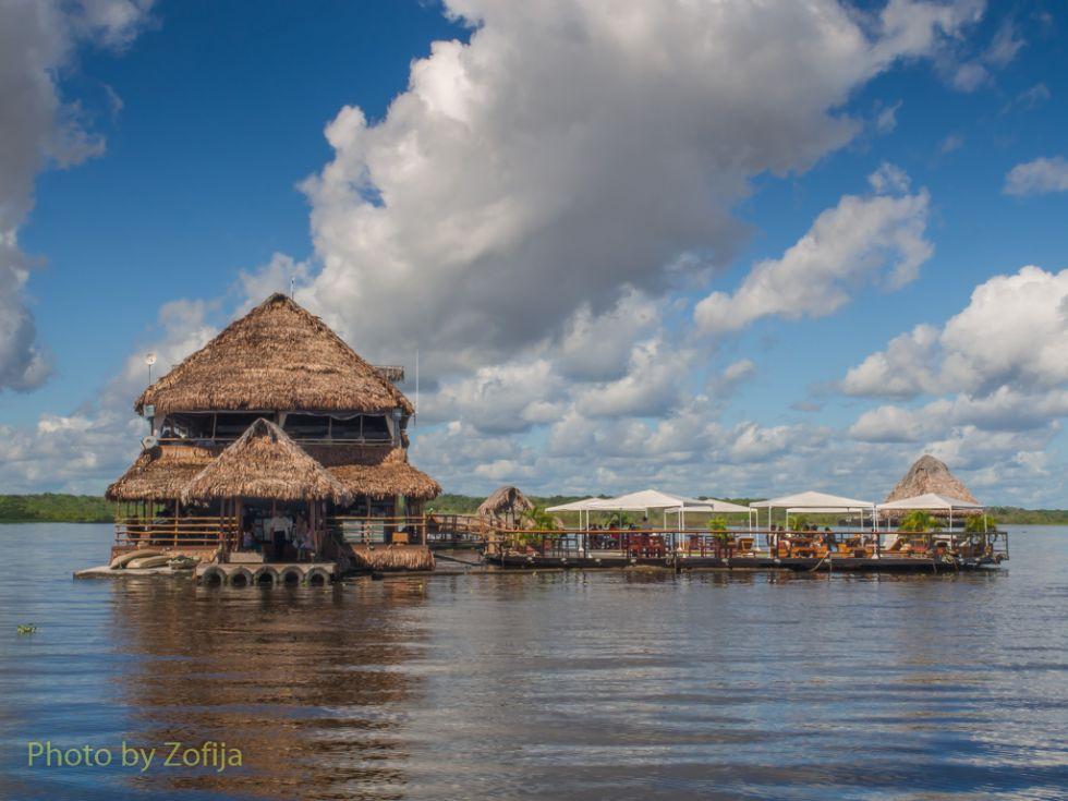 amazonskie-plywajace-domki
