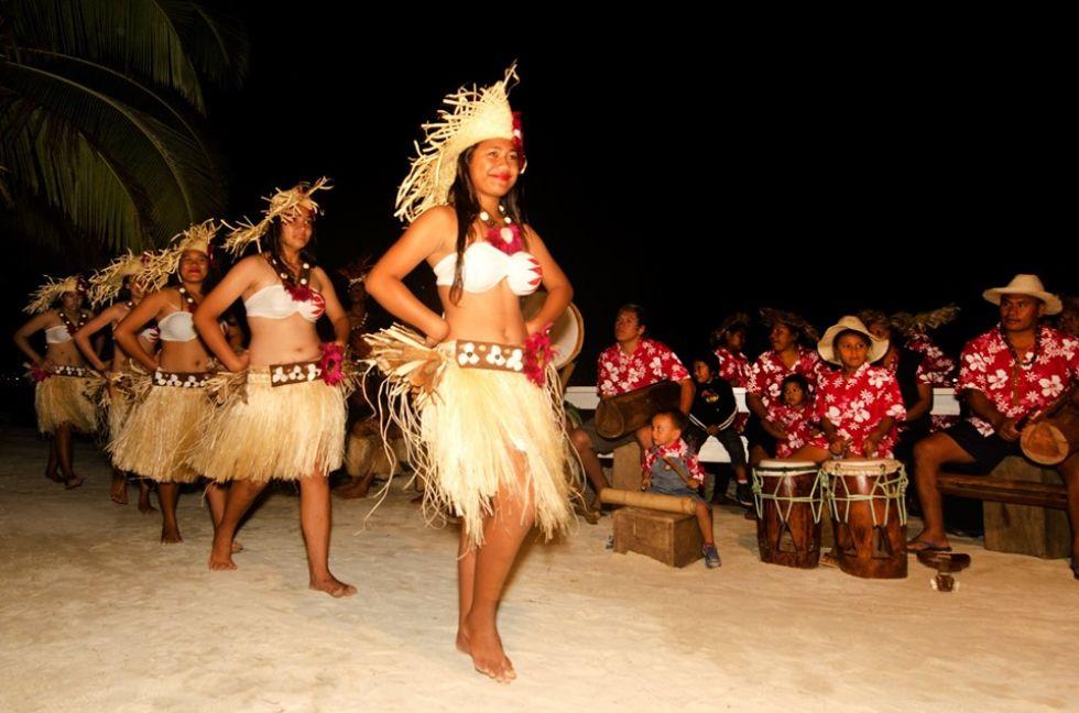 tancerki na polinezji francuskije
