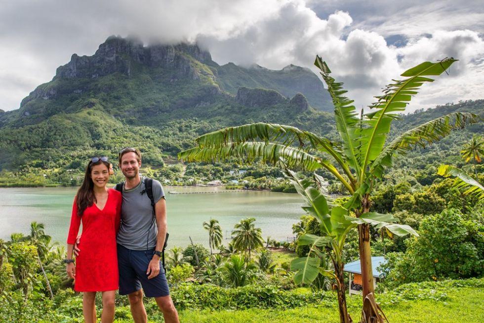 turysci na wyspie tahiti