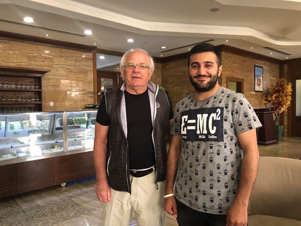nasz turysta z mieszkancem iraku
