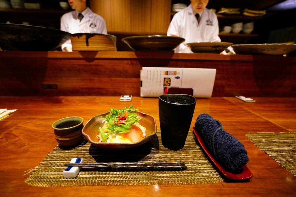 obiad w jednej z japonskich restauracji