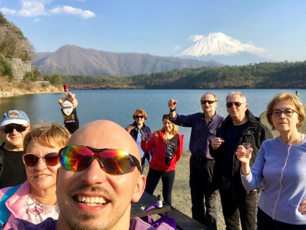 grupa-turystow-logos-travel-w-japoni