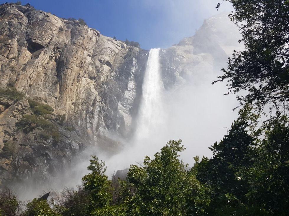 wodospad w parku yosemite