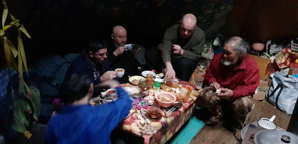 nasza-grupa-razem-z-koczujacym-plemieniem-niencow