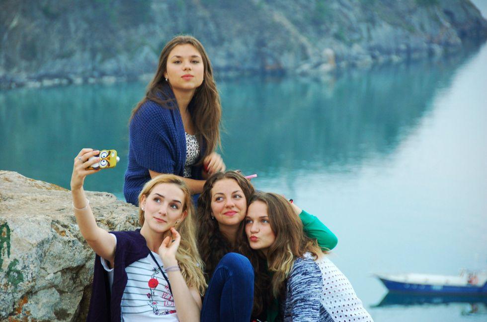 turysci nad bajkalem