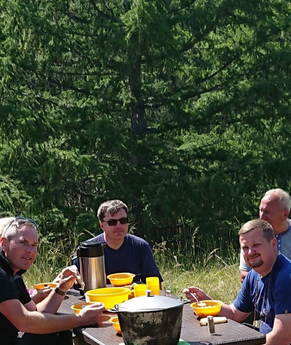 piknik w obliczu syberyjskiej natury