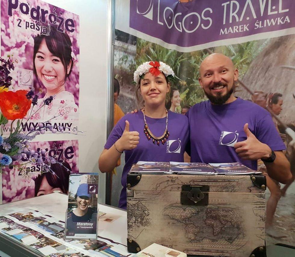 zaloga logos travel na targach turystycznych