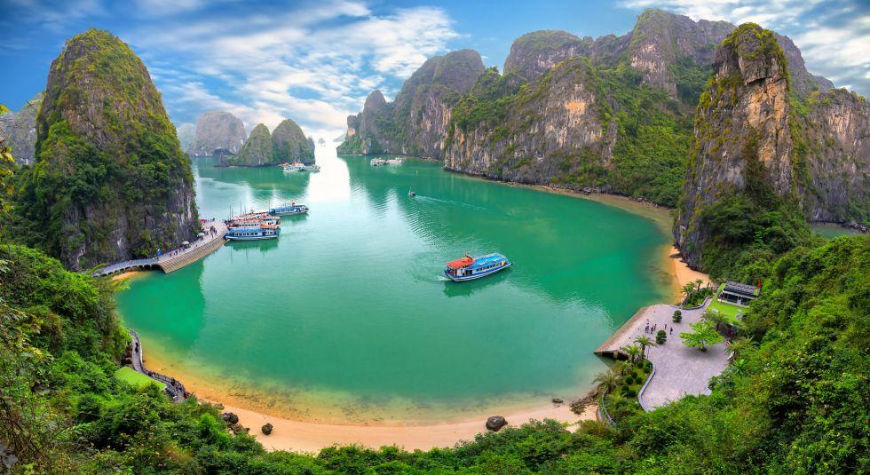 najpiekniejsza i najslynniejsza zatoka w wietnamie ha long