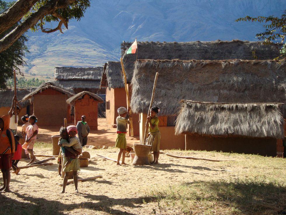 Madagaskar, mieszkancy