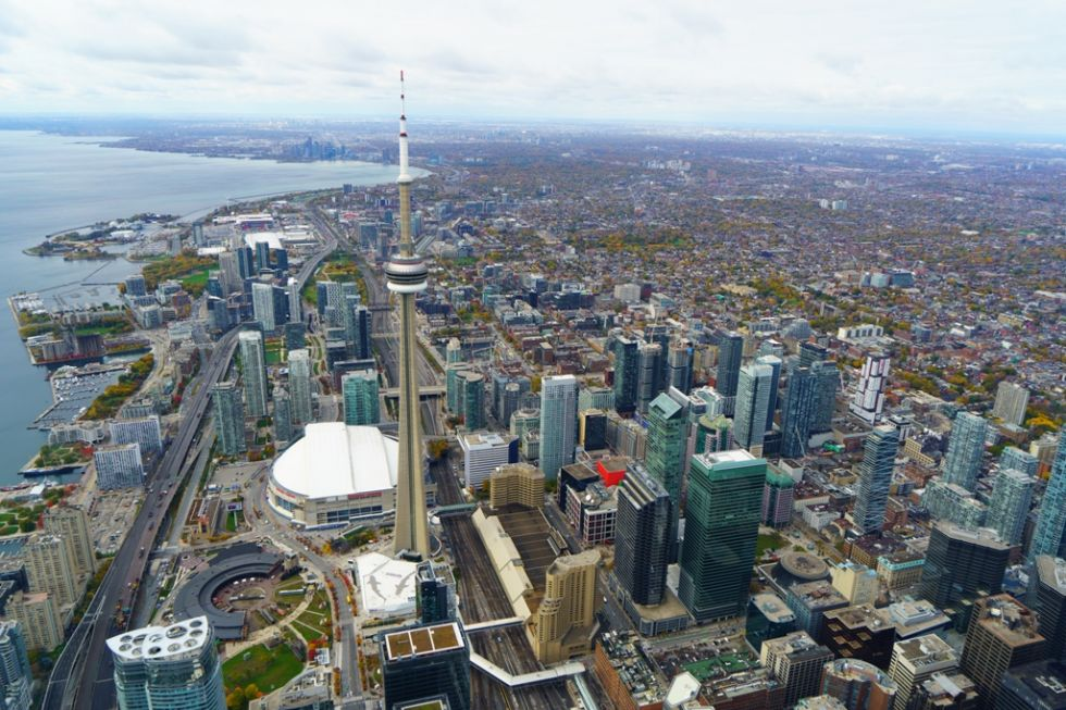 widok na toronto z cn tower