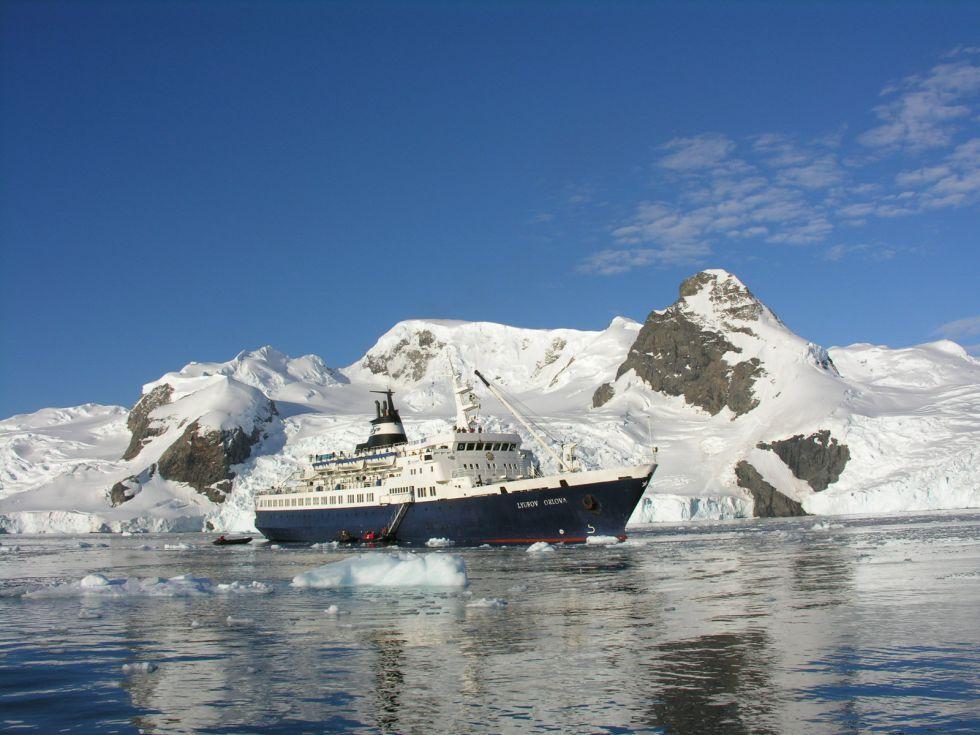 Okret Antarktyda