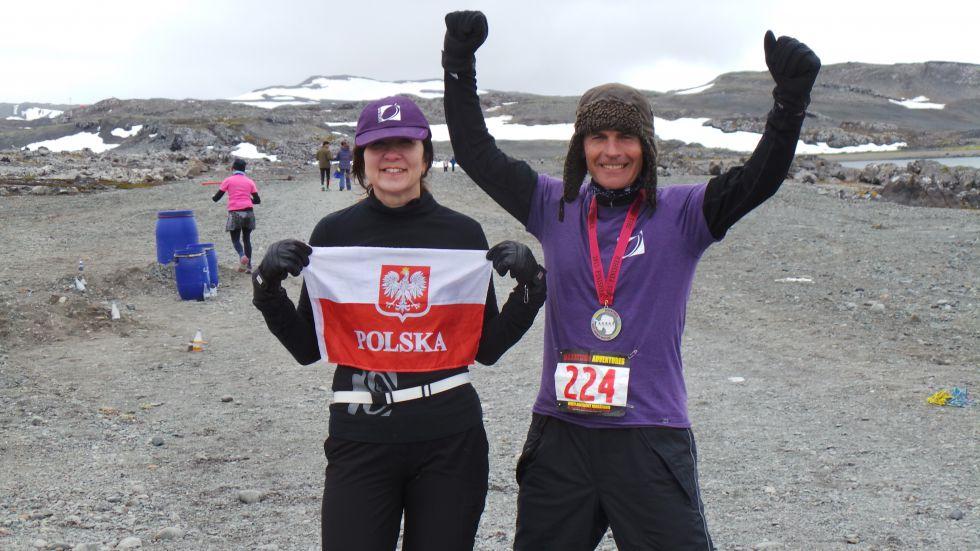 Marek Śliwka krótko po ukończeni maratonu na Antarktydzie, na drugim miejscu w klasyfikacji Open.