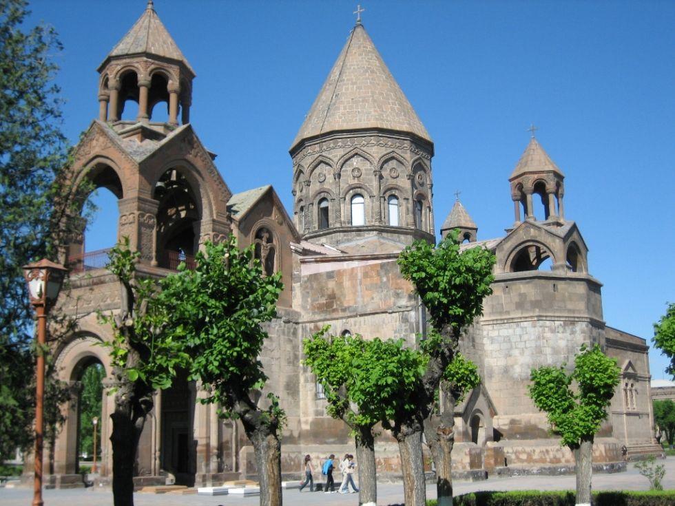 kosciol eczmiadzyn w armenii