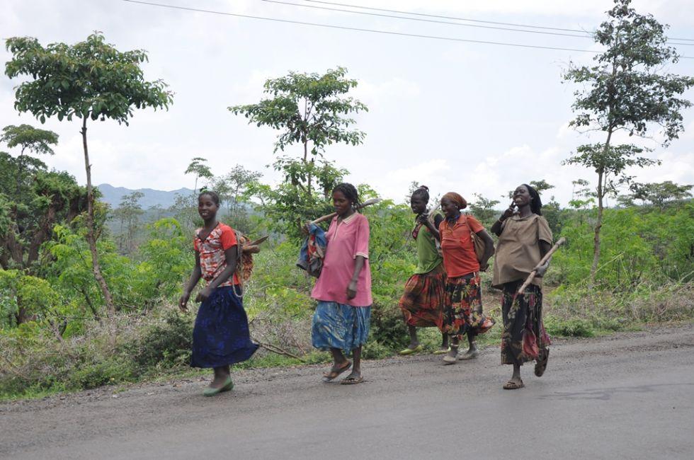 spacery w okolicach lalibeli w etiopii