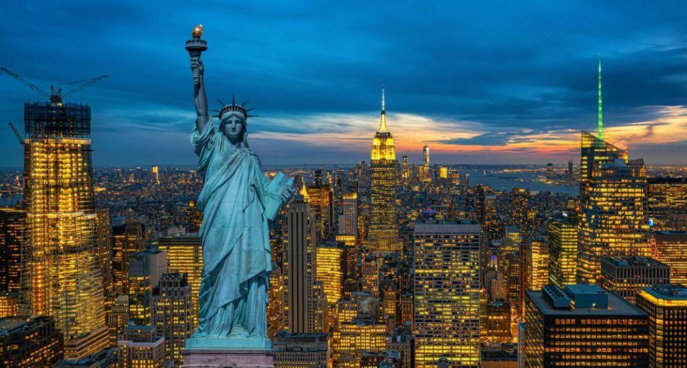 Widok na wieżowce Nowego Jorku oraz Statuę Wolności
