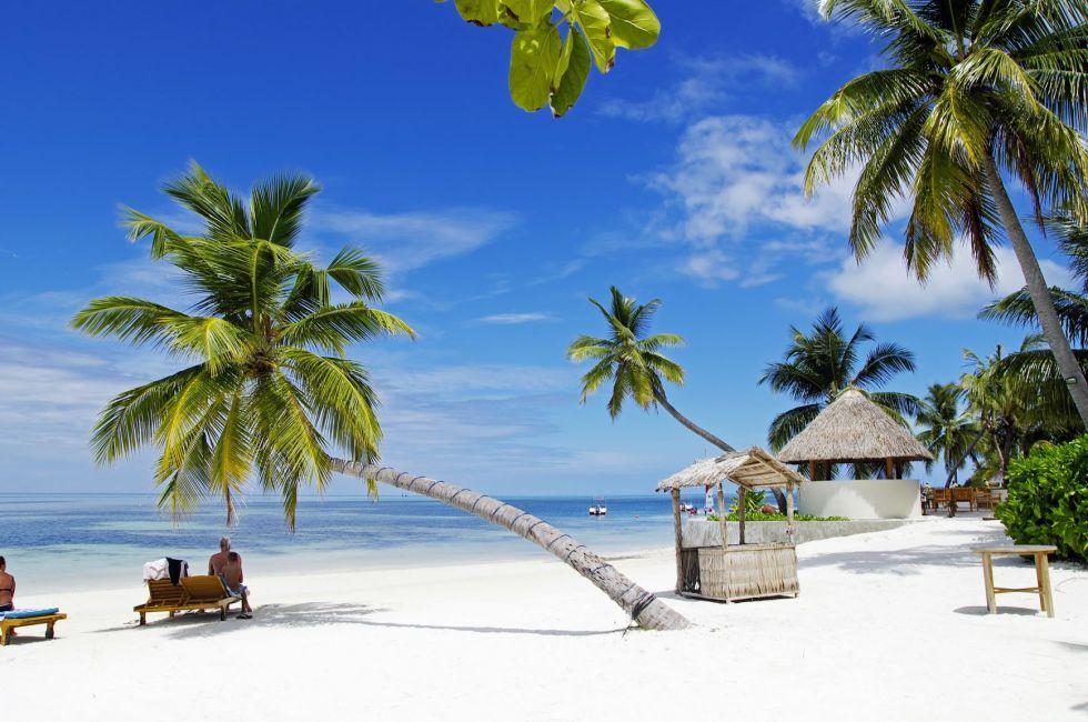 Odpoczynek na rajskiej plaży na Malediwach