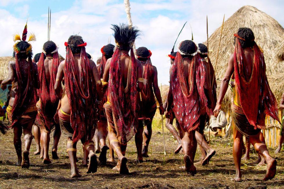 Wizyta u plemiona w Papui Zachodniej.