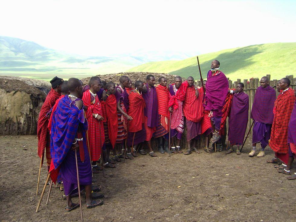 odwiedziny-w-okolicznej-wiosce-w-tanzanii