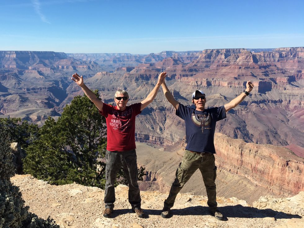 Na tle Grand Canyonu USA.